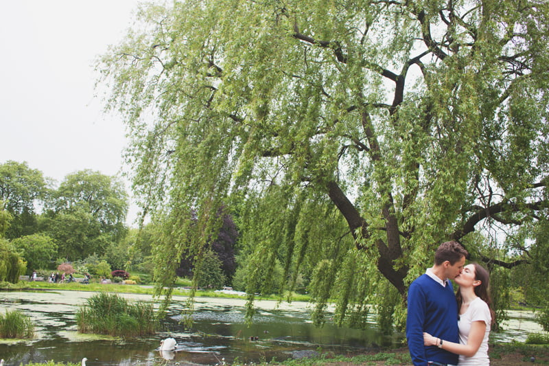 quirky_alternative_engagement_pre-wedding_photography_London-Kate+Giles-28