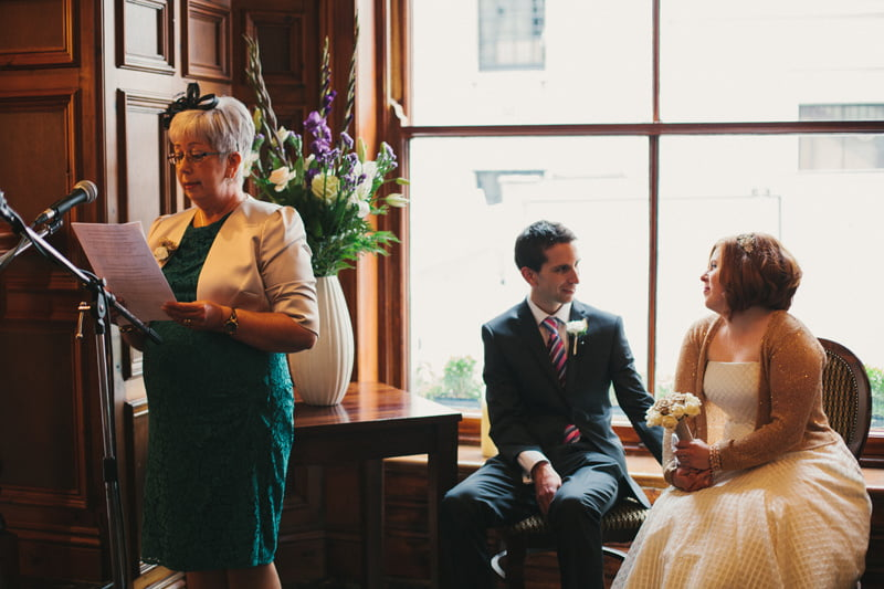 Quirky_Natural_London_Pub_Wedding_Photography_Maureen_Du_Preez-027