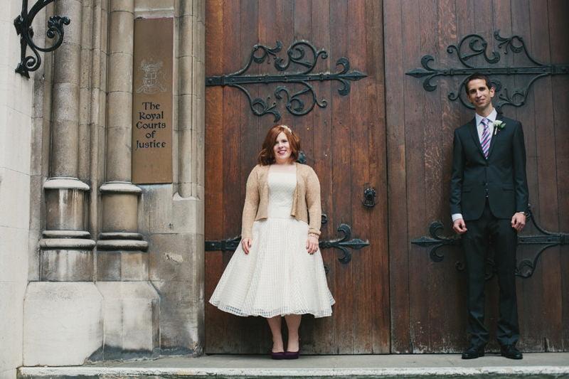 Quirky_Natural_London_Pub_Wedding_Photography_Maureen_Du_Preez-047