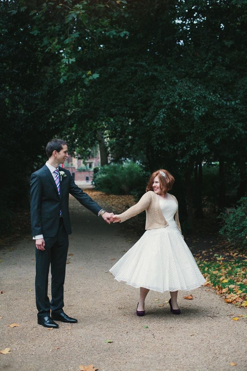 Quirky_Natural_London_Pub_Wedding_Photography_Maureen_Du_Preez-072