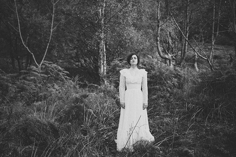 artistic_organic_bridal_forest_photography-13