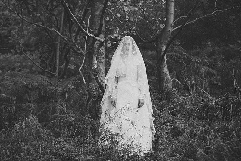 artistic_organic_bridal_forest_photography-25