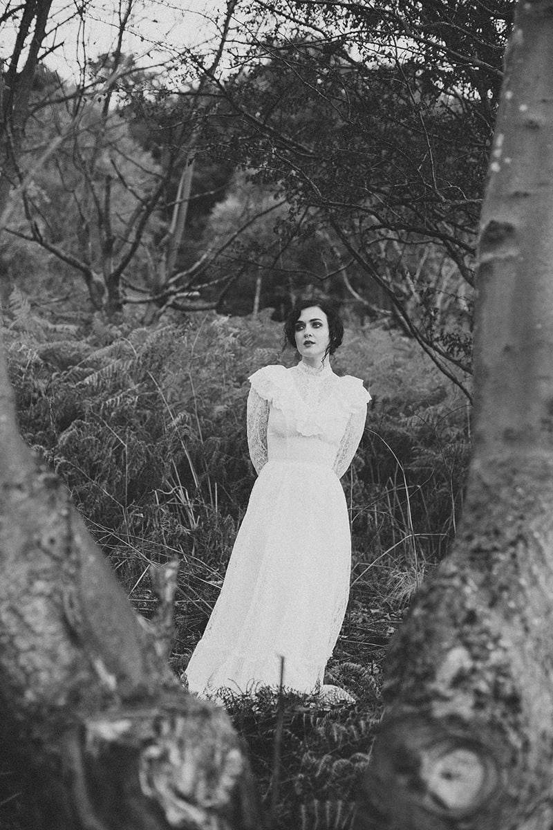 artistic_organic_bridal_forest_photography-37
