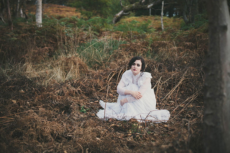 artistic_organic_bridal_forest_photography-42