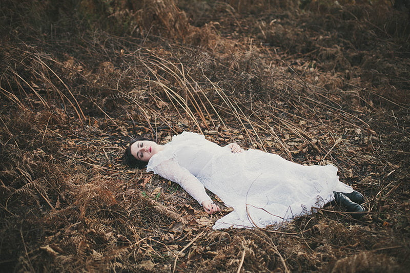 artistic_organic_bridal_forest_photography-51