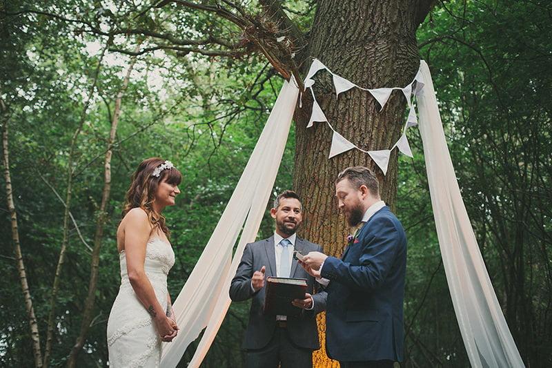 artistic_organic_forest_wedding_photography-025