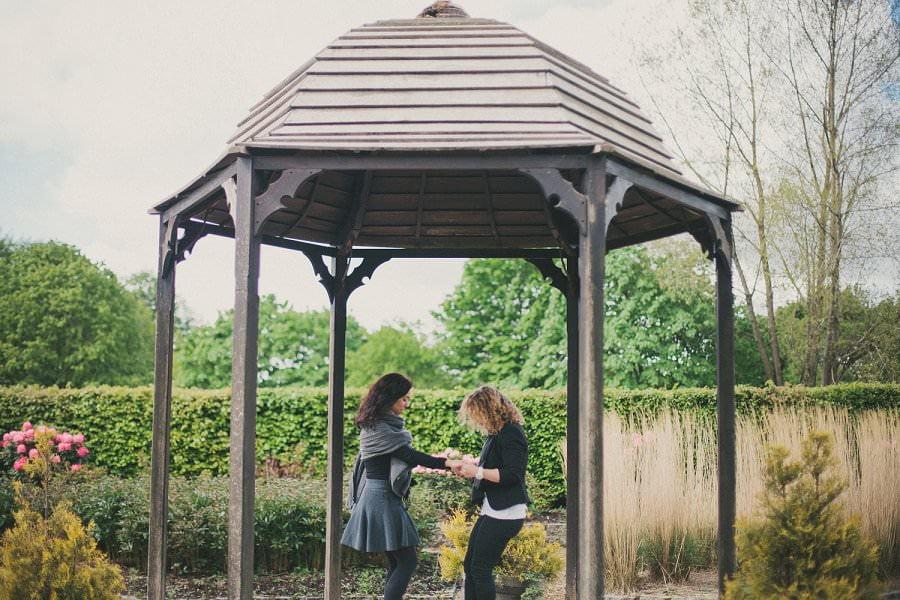 artistic-pre-wedding-engagement-photography-glasgow-pollok-park23