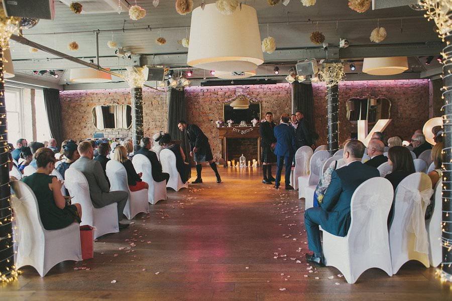 29-glasgow-artistic-wedding-photography-23