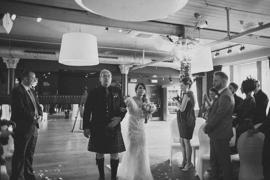 29-glasgow-artistic-wedding-photography-30