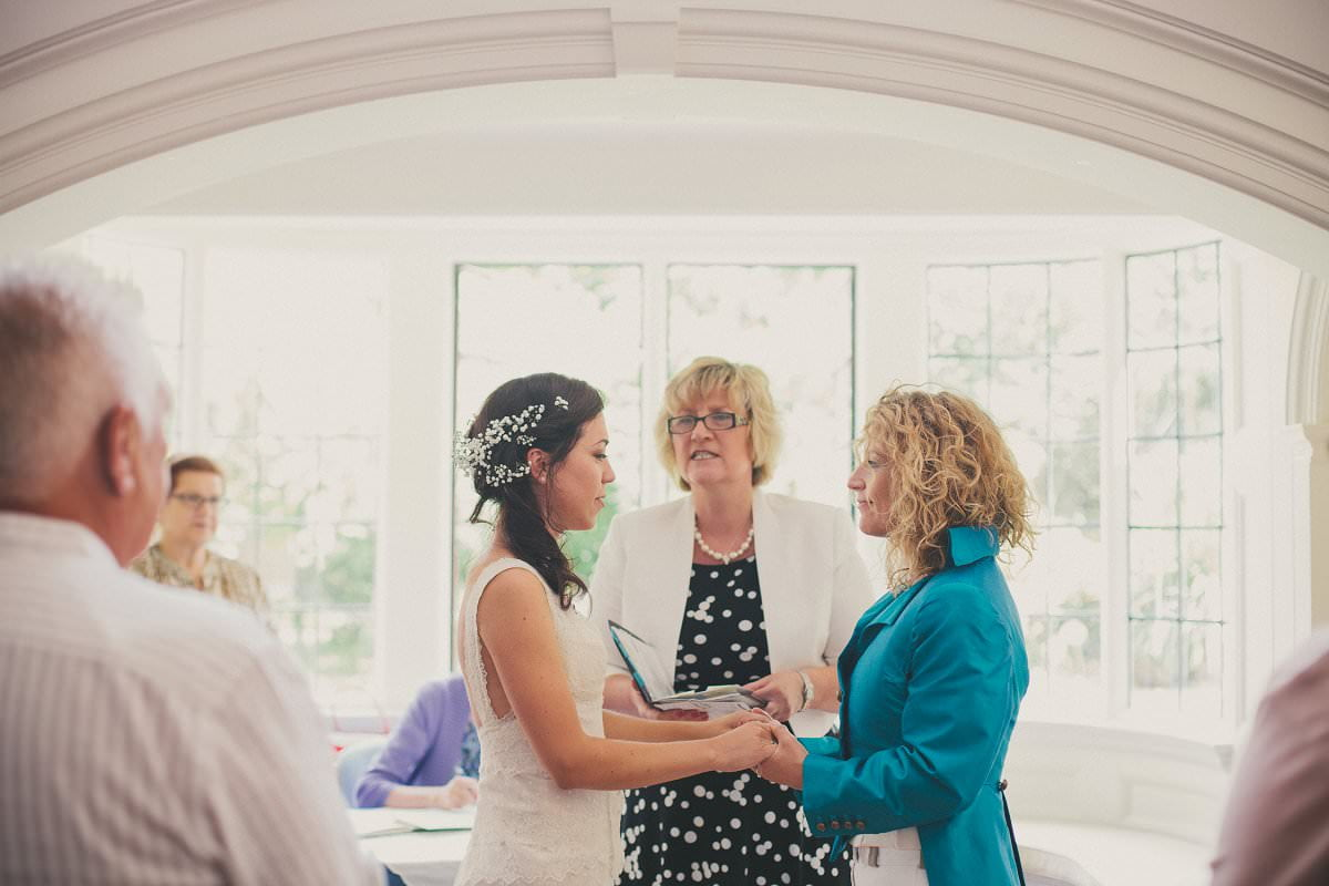 artistic-natural-wedding-photography-cambridge-034