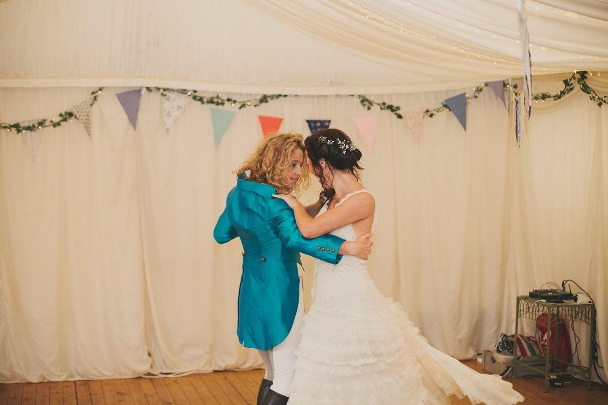 artistic-natural-wedding-photography-cambridge-138