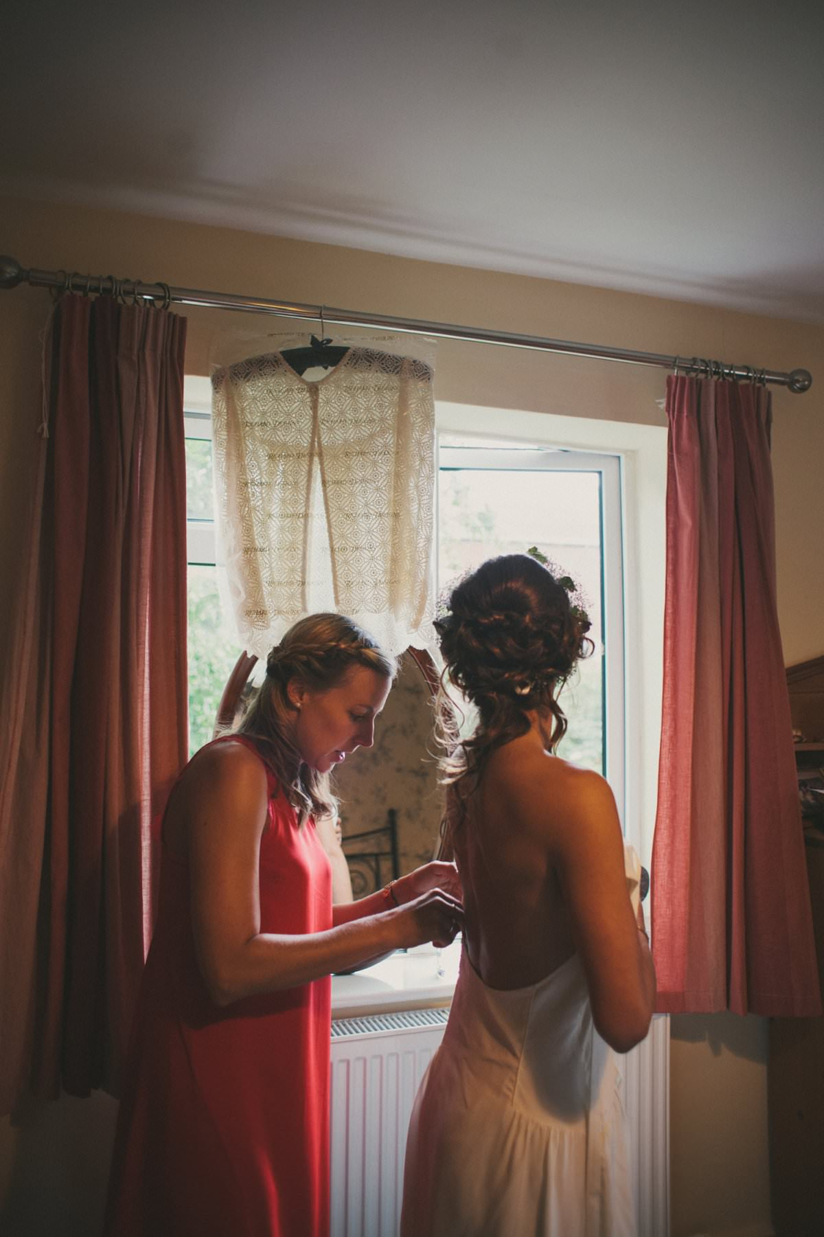 artistic-natural-wedding-photography-netherbury-dorset-003