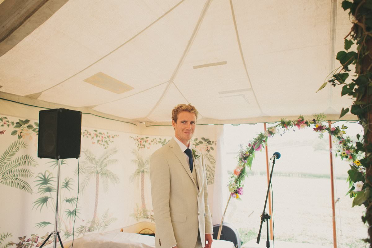 artistic-natural-wedding-photography-netherbury-dorset-015
