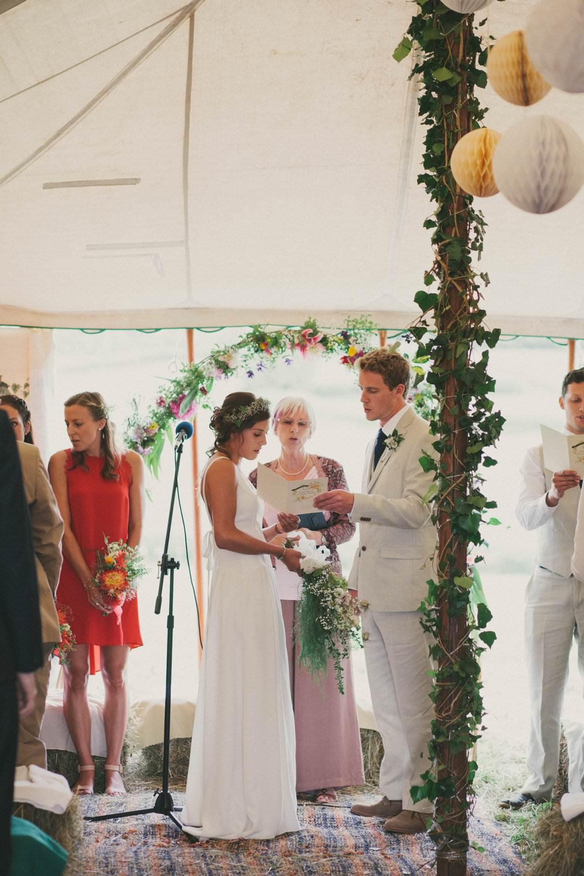 artistic-natural-wedding-photography-netherbury-dorset-036