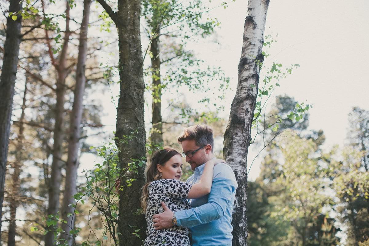 artistic-pre-wedding-photogaphy-devilla-forest-fife-edinburgh-16