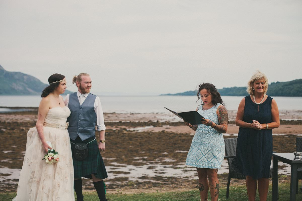 artistic-natural-wedding-photography-isle-arran-064