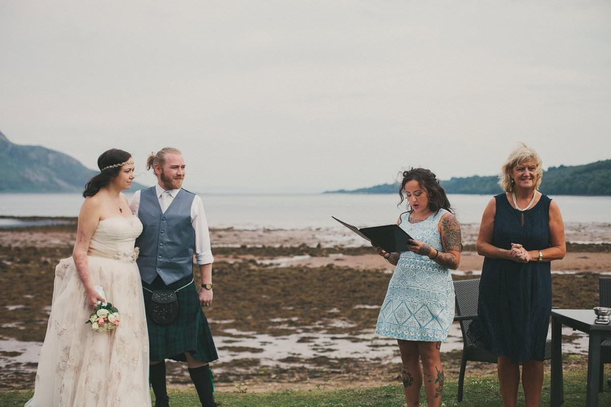 artistic-natural-wedding-photography-isle-arran-064