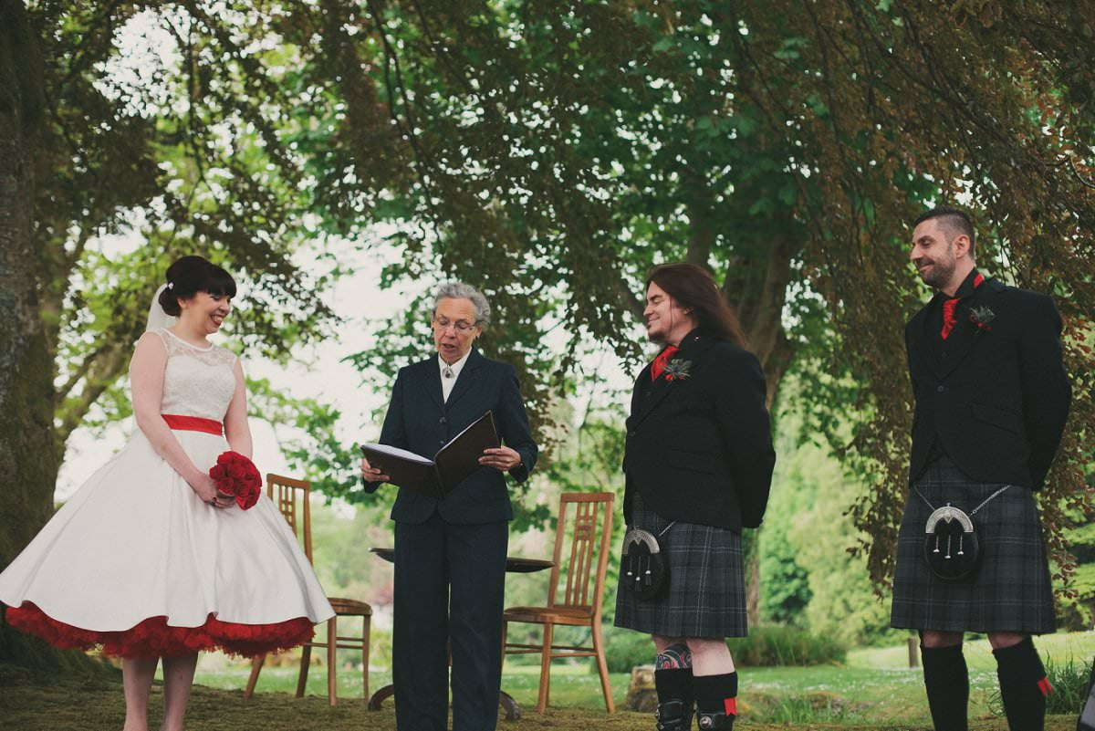 artistic-wedding-photography-altskeith-house-047