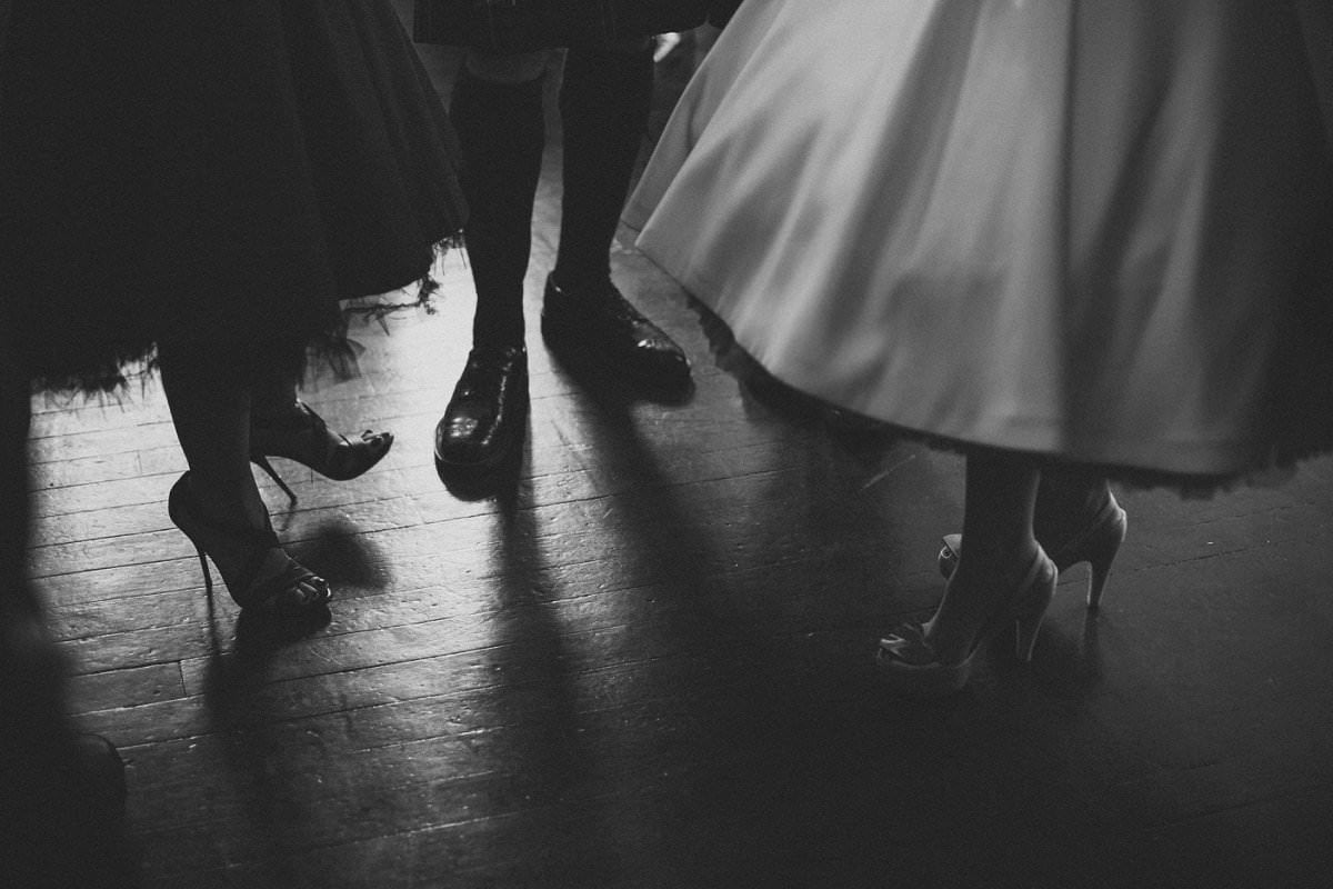 artistic-wedding-photography-altskeith-house-065