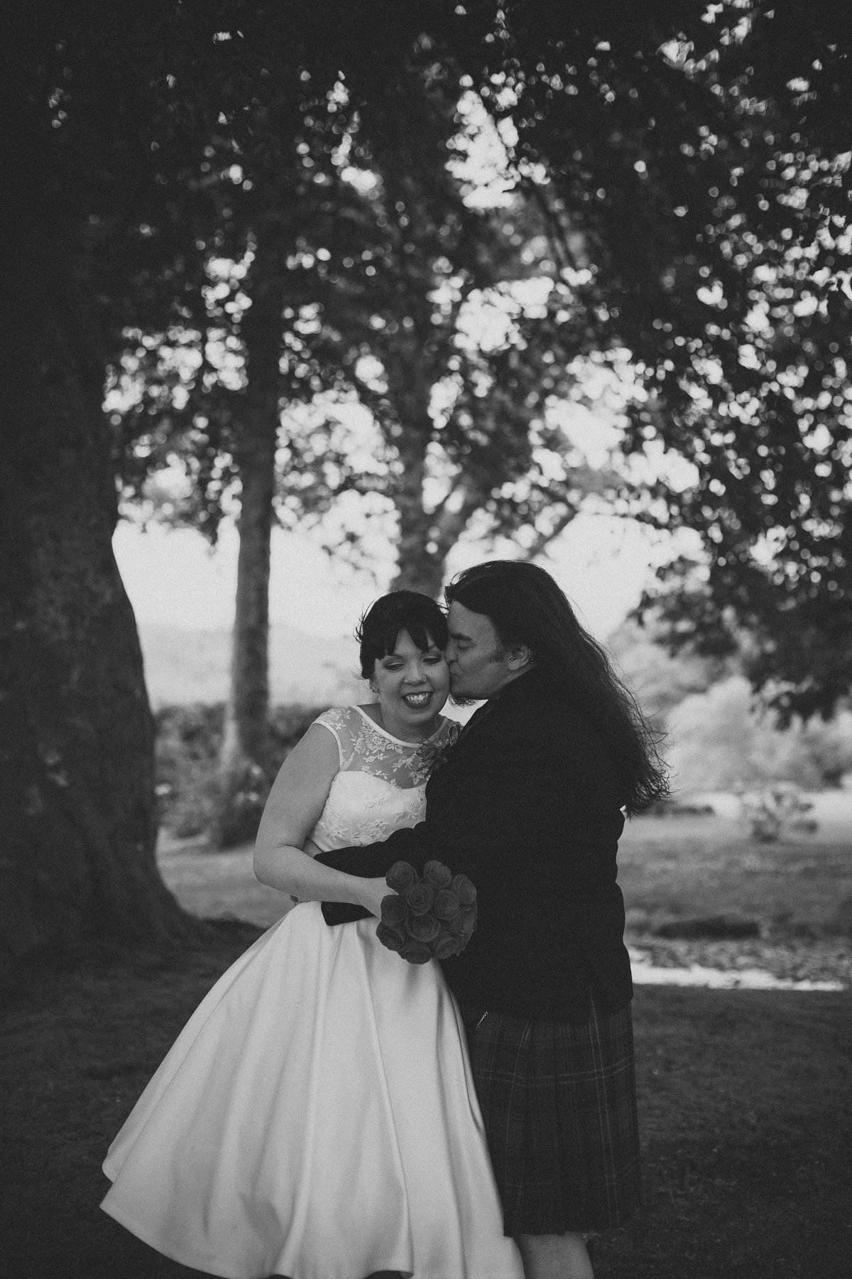 artistic-wedding-photography-altskeith-house-070