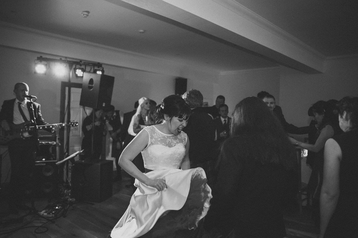 artistic-wedding-photography-altskeith-house-086