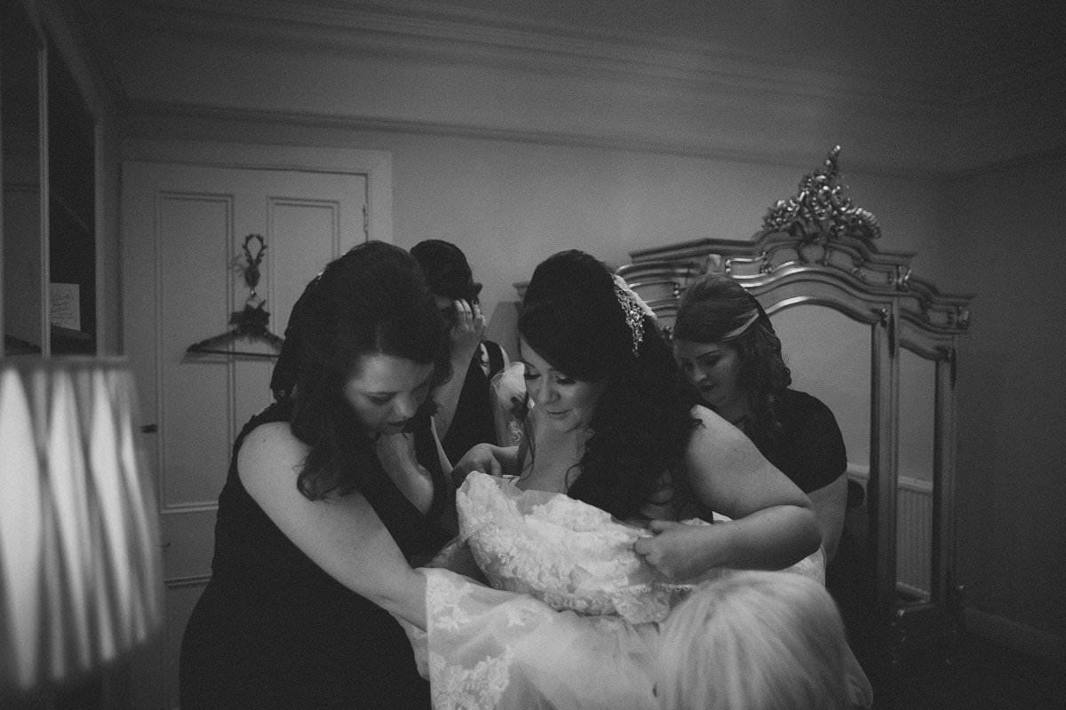fine-art-wedding-photography-edinburgh-rosslyn-oxenfoord-castle-010