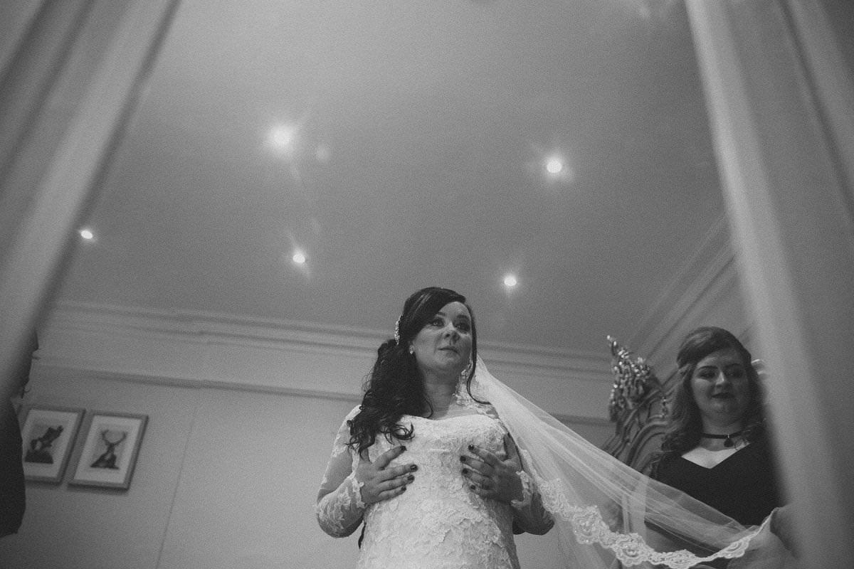 fine-art-wedding-photography-edinburgh-rosslyn-oxenfoord-castle-012