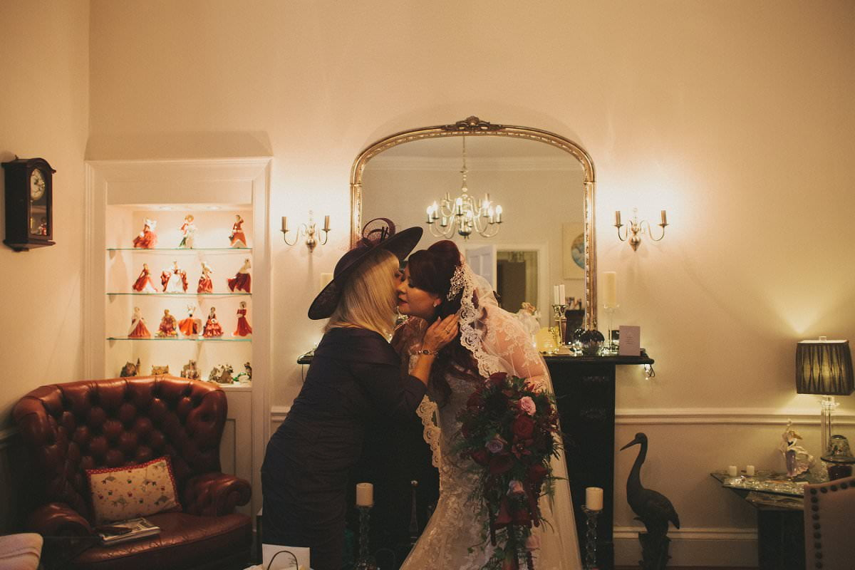 fine-art-wedding-photography-edinburgh-rosslyn-oxenfoord-castle-034
