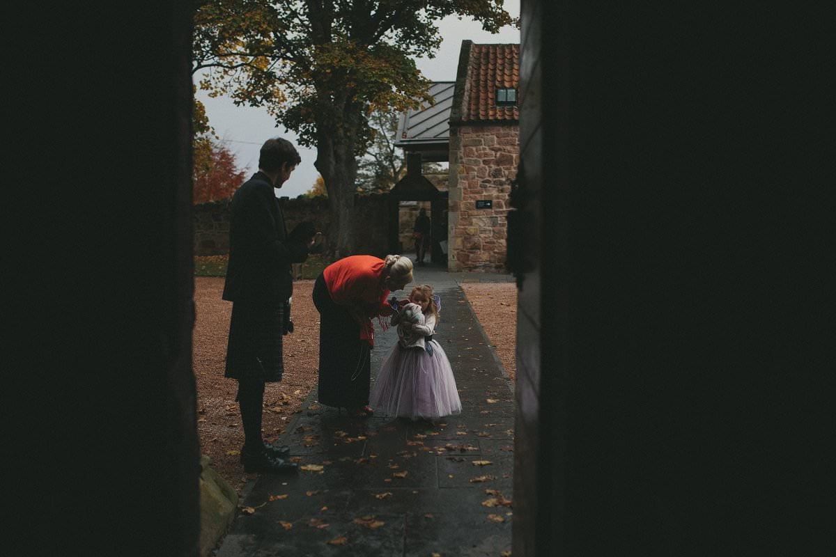 fine-art-wedding-photography-edinburgh-rosslyn-oxenfoord-castle-043