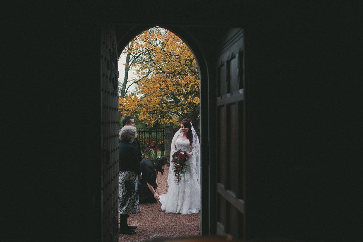 fine-art-wedding-photography-edinburgh-rosslyn-oxenfoord-castle-057