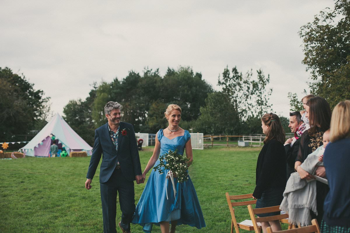 natural-folk-festival-wedding-sussex-photographer-045
