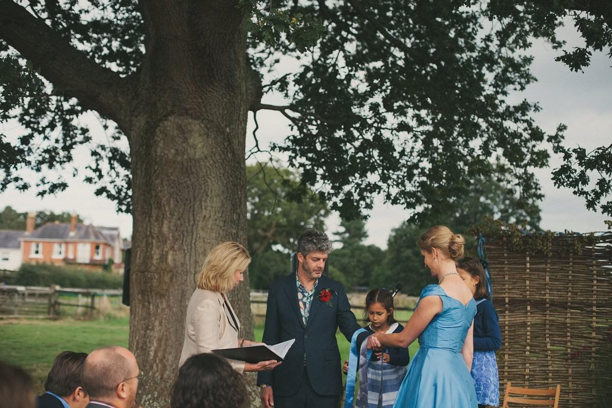 natural-folk-festival-wedding-sussex-photographer-068
