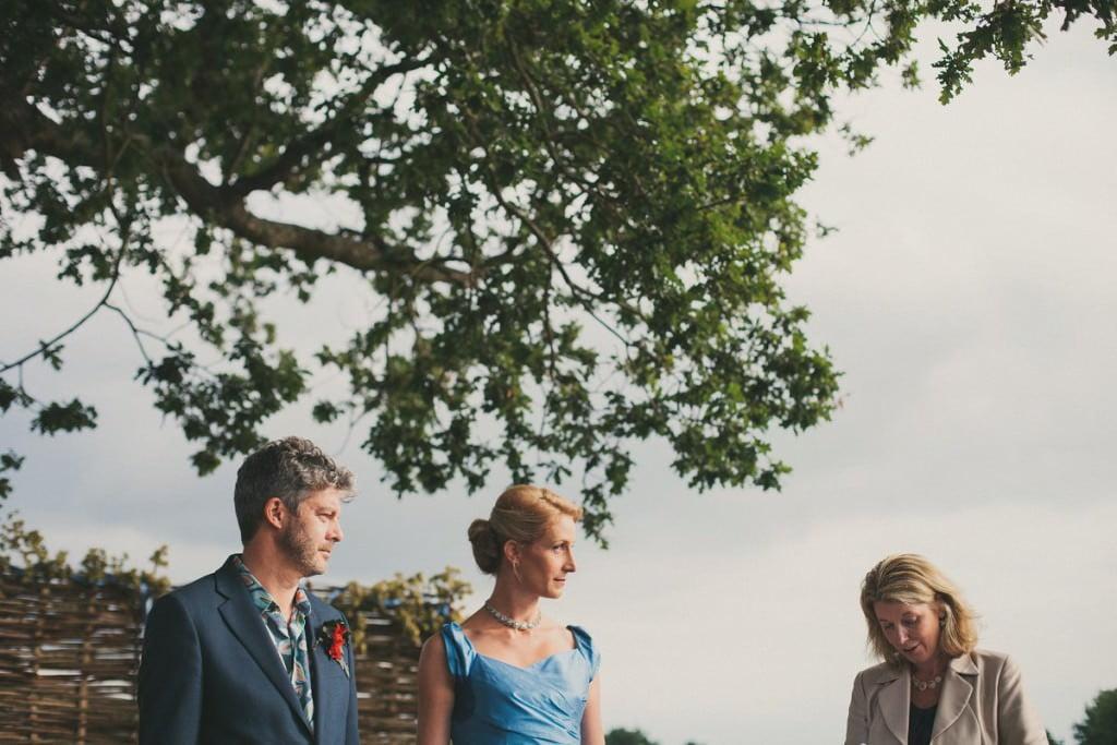 natural-folk-festival-wedding-sussex-photographer-071