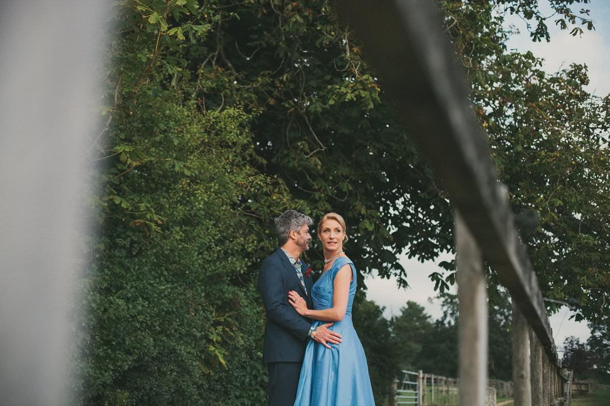 natural-folk-festival-wedding-sussex-photographer-097