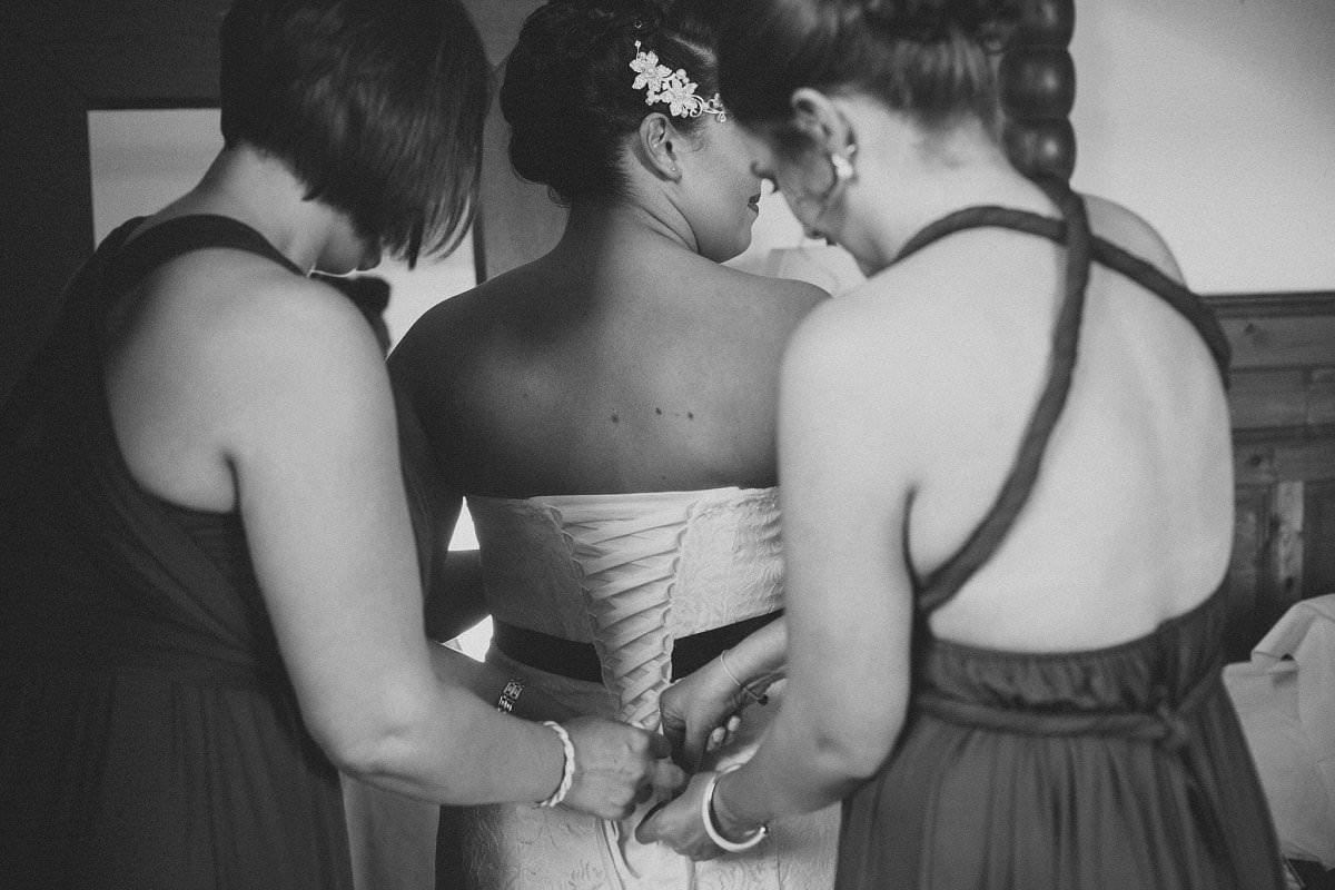 bride getting ready wedding photography