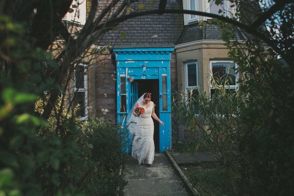 bride leaving home rosslyn wedding photographer