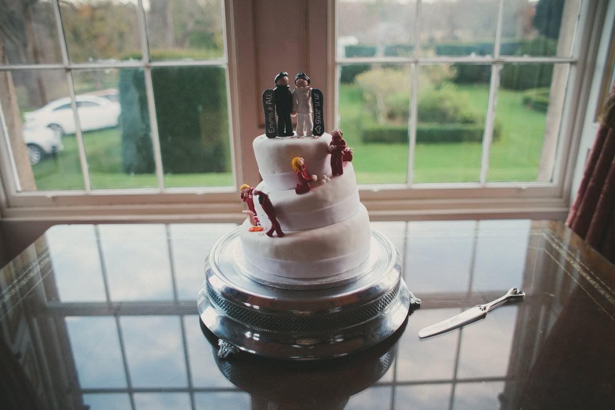 snowboarding wedding cake oxenfoord castle