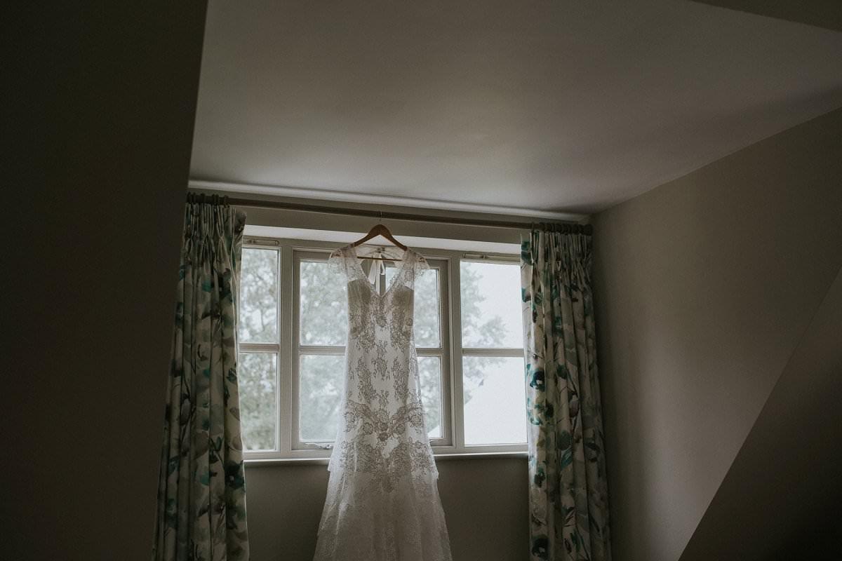 fine-art-wedding-photographer-essex-colchester-natural-back-garden-home-teepee-028