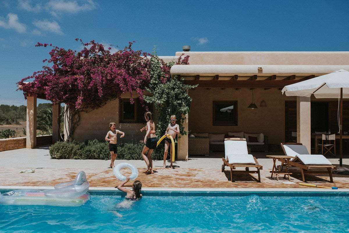 wedding formentera swimming pool children