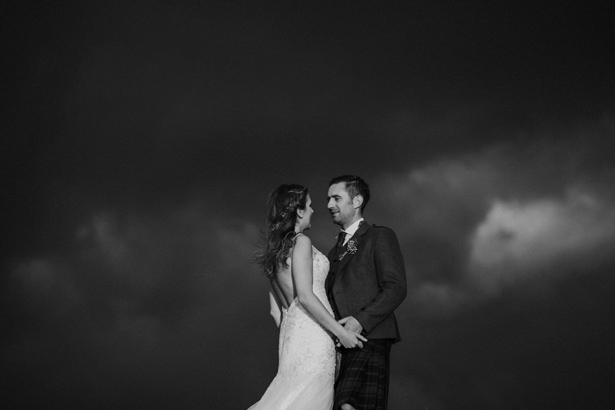 bride groom dramatic sky isle of lewis