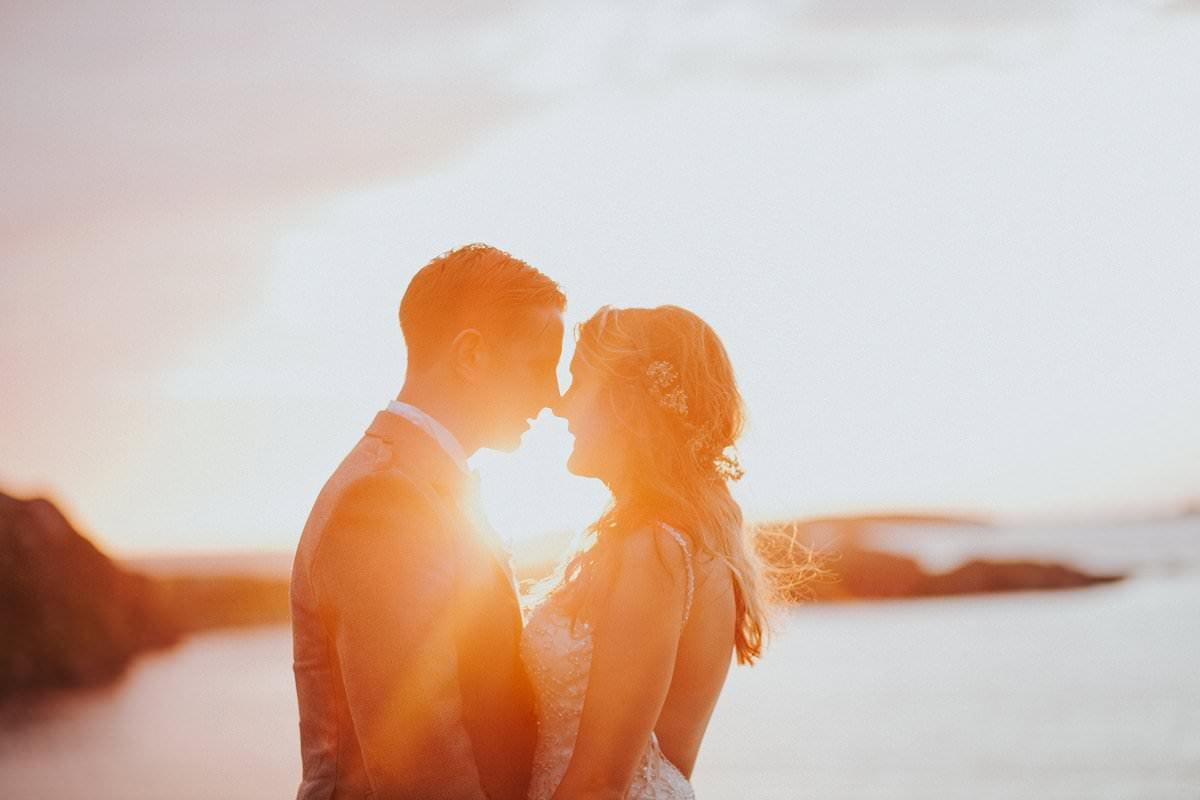 sunset bride groom wedding