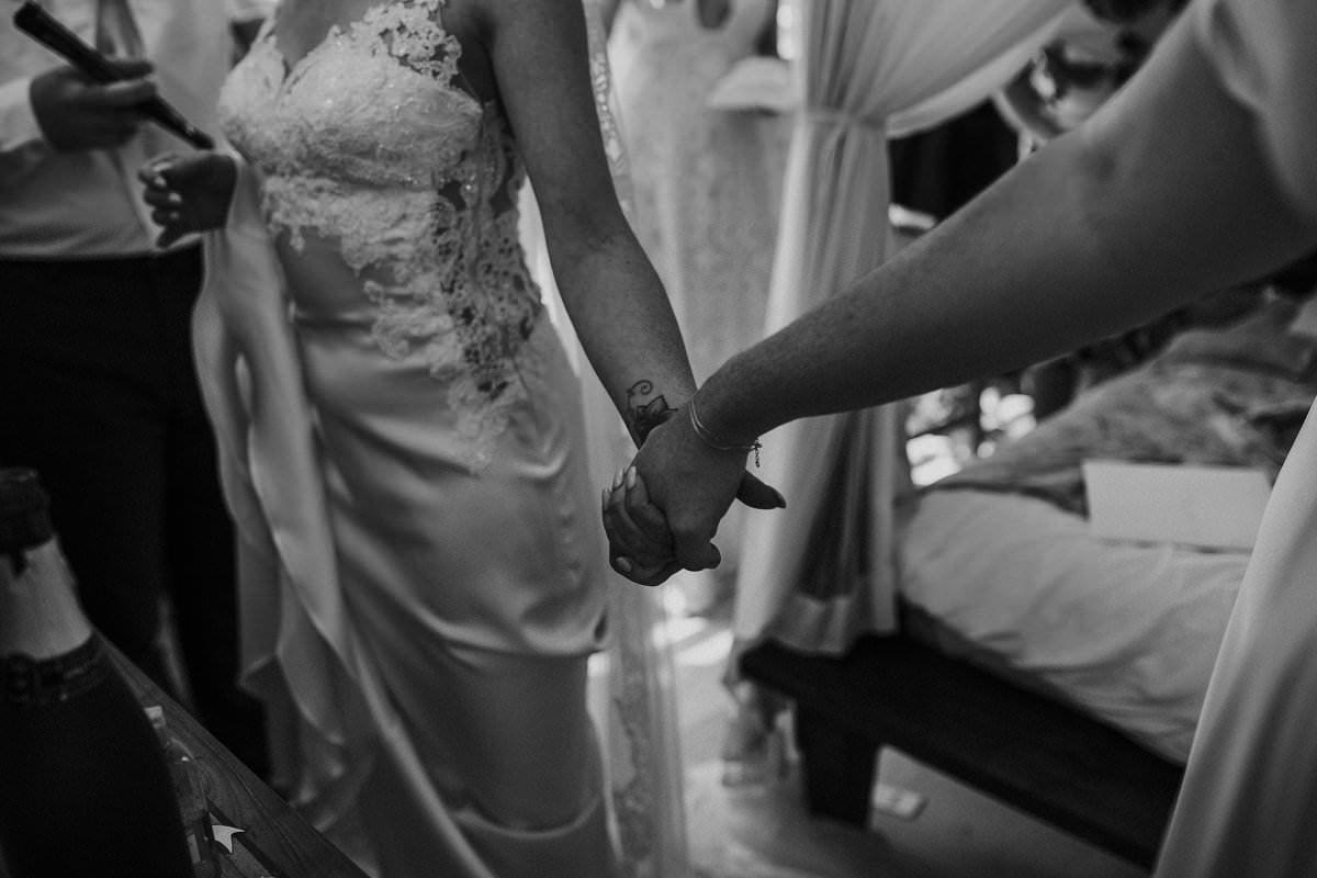 holding hands mum bride wedding