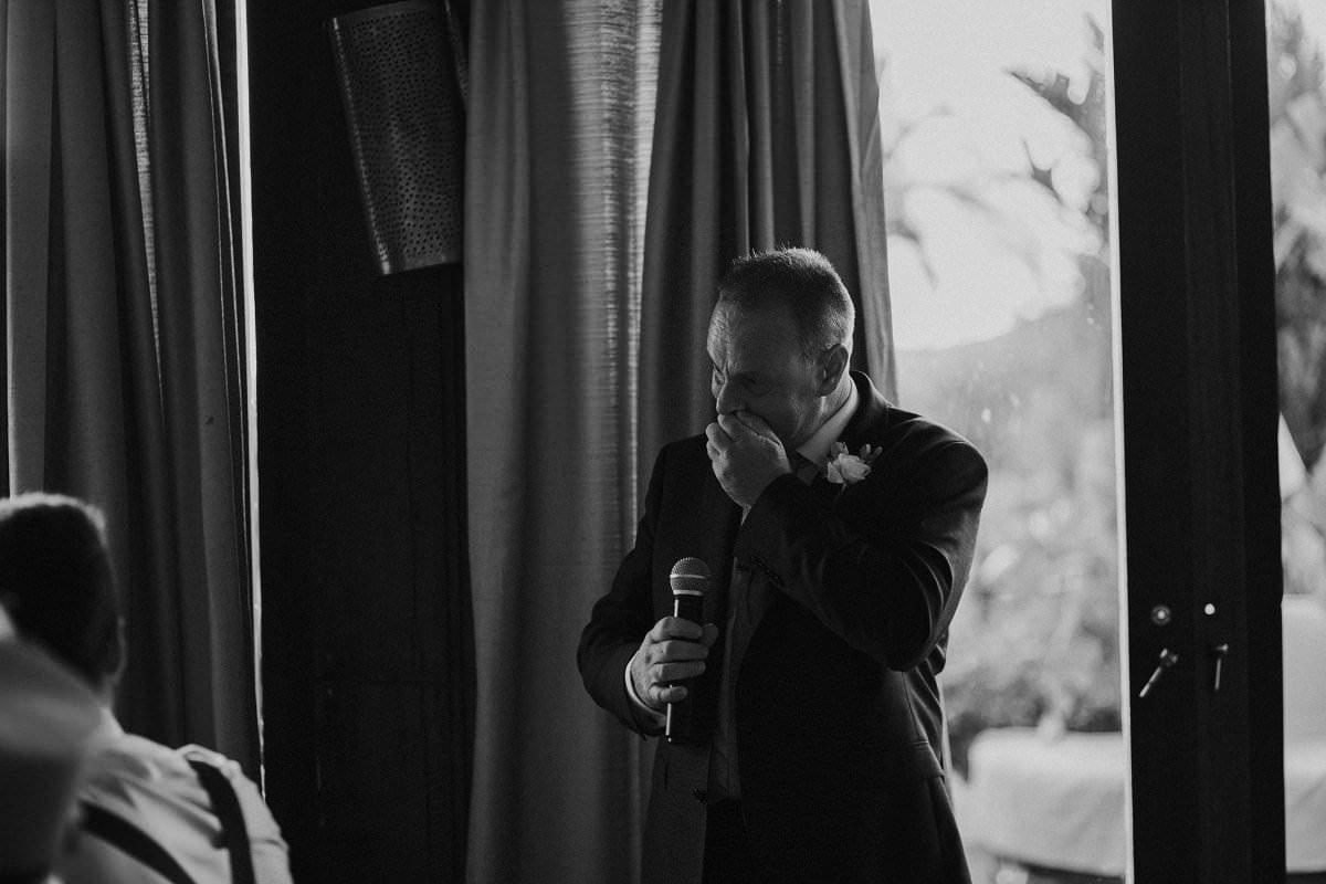 natural emotional wedding photos
