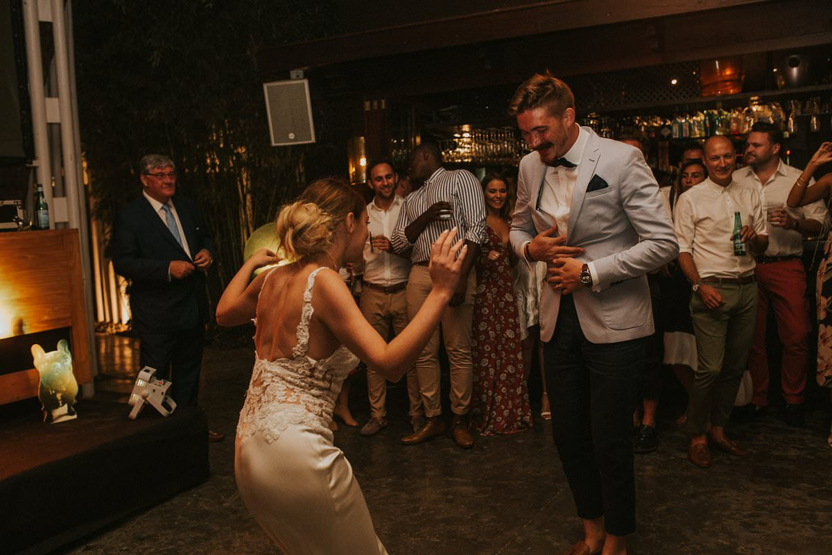 cool wedding first dance