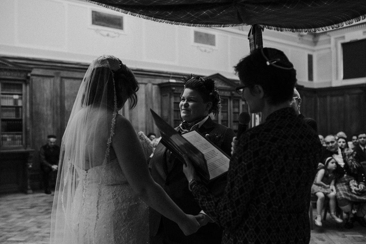 storytelling wedding photos