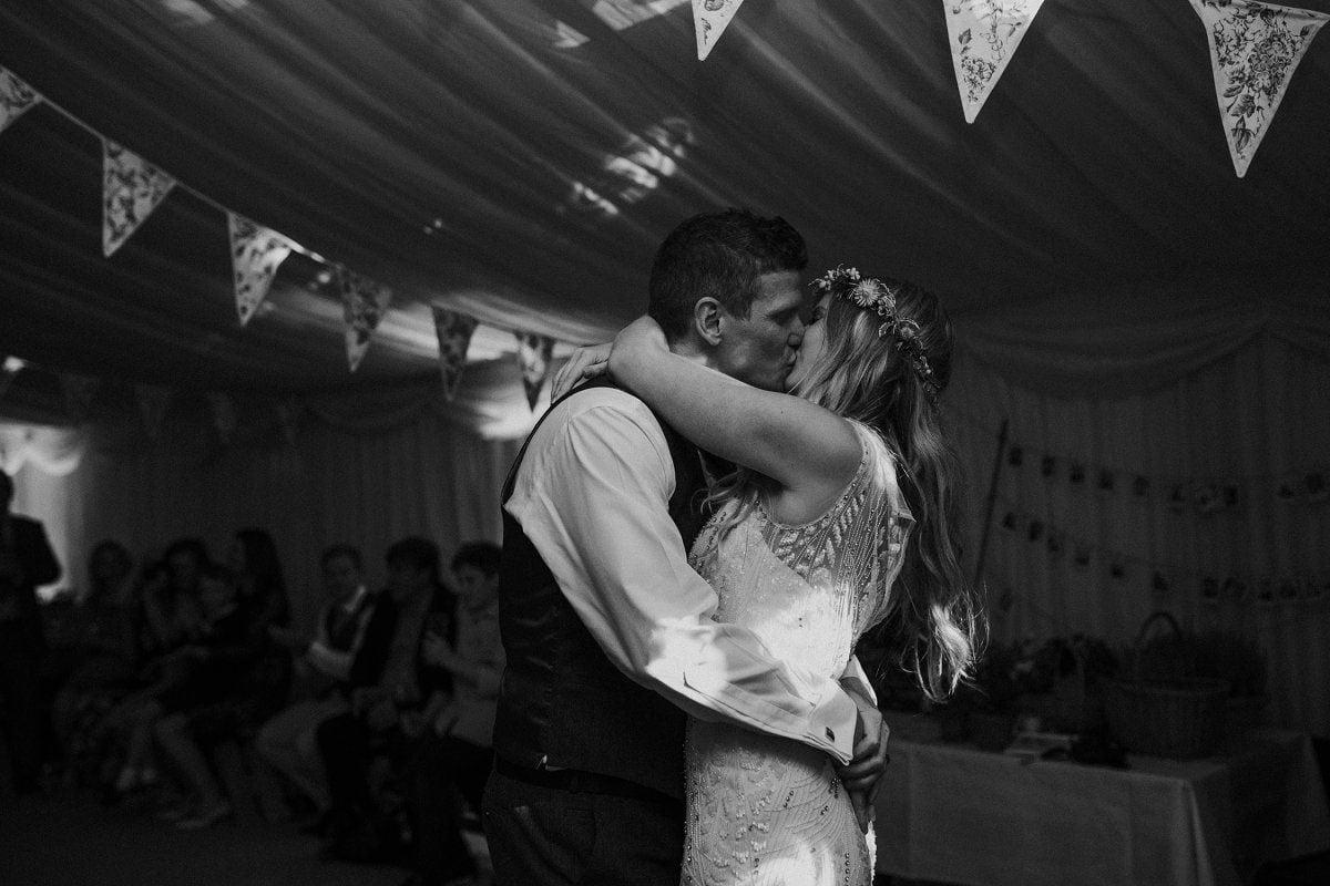 romantic wedding photography oxford
