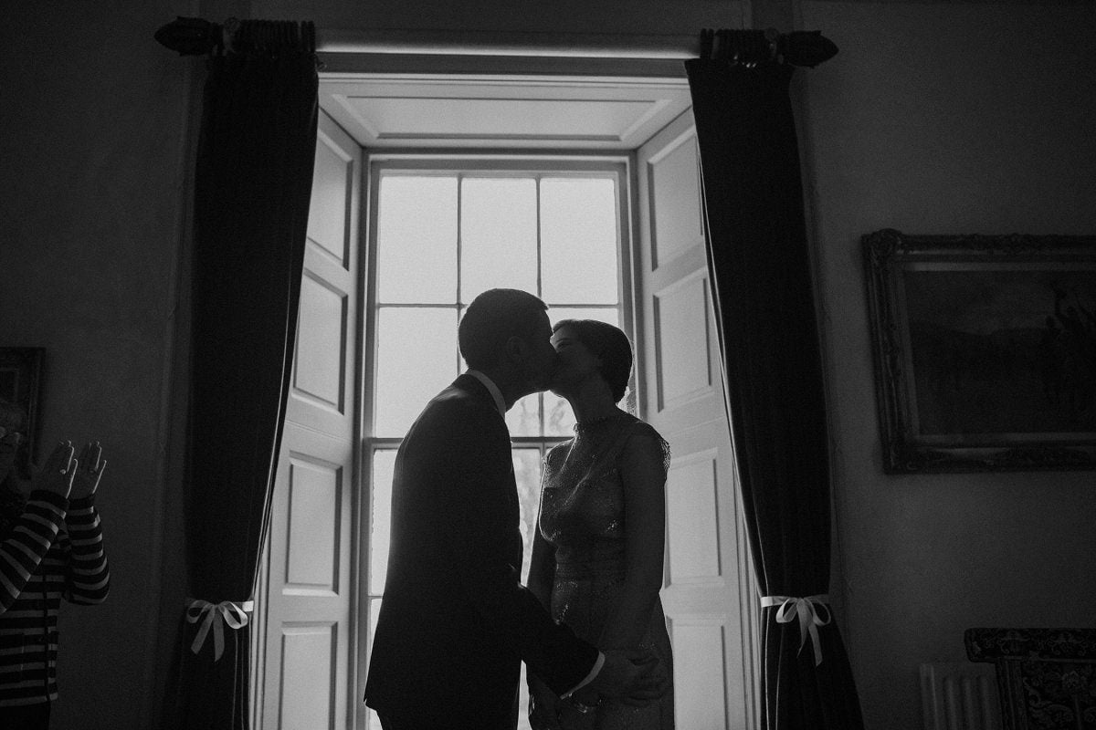 natural artistic wedding photos