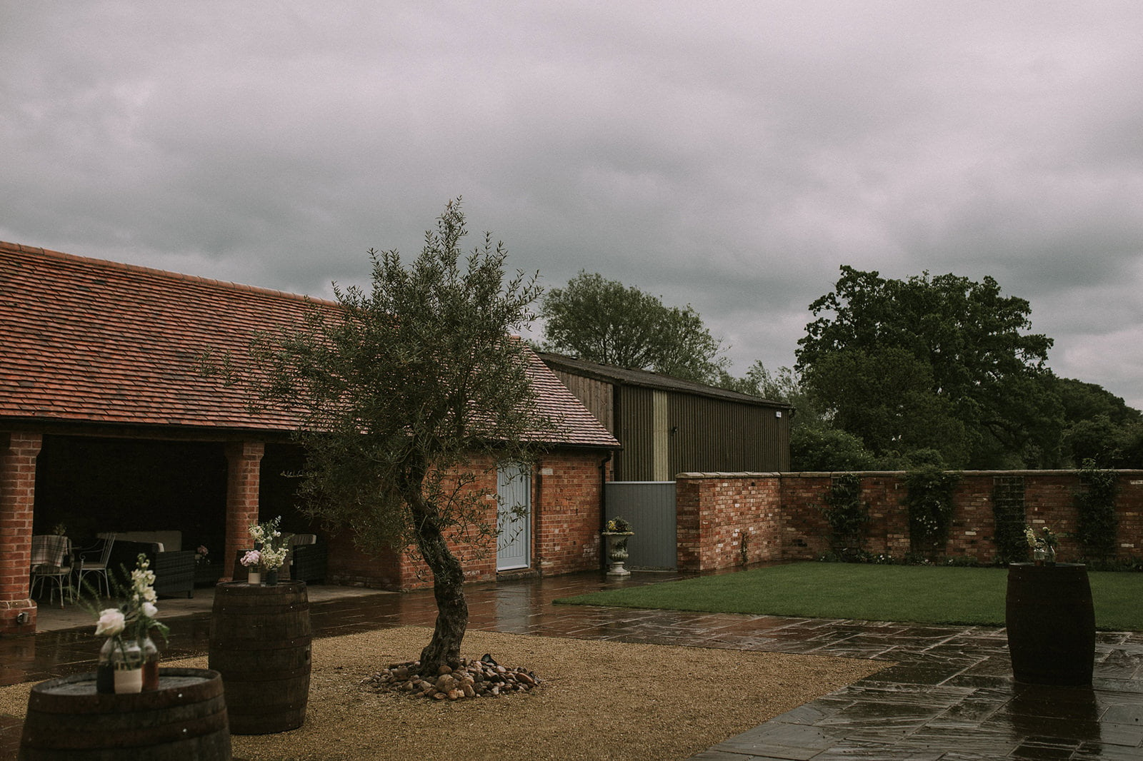 wedding swallows nest barn