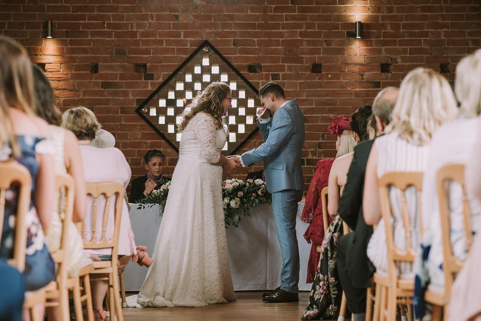 natural wedding photos warwickshire