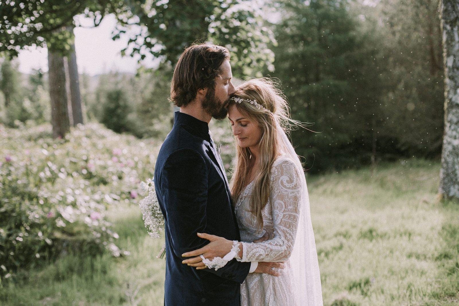 11-whimsical-boho-woodland-wedding-photography